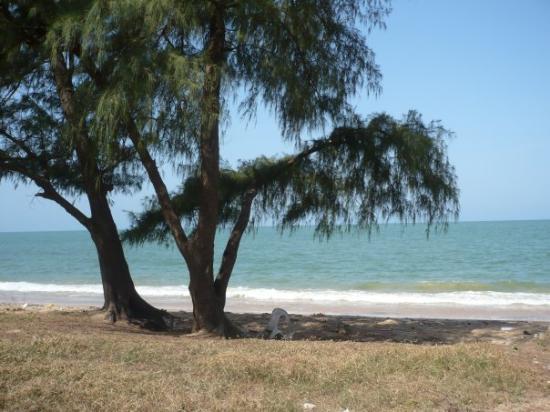 Mbour, เซเนกัล: plage de Nianing