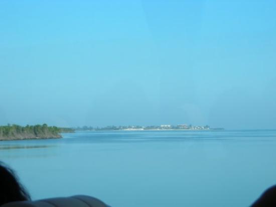 Cayo Santa Maria (เกาะคาโย ซานตา มารีอา), คิวบา: Sur la route de mer ...