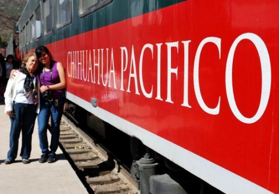 ชีวาวา, เม็กซิโก: El ferrocarril