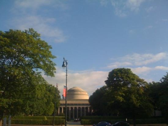 บอสตัน, แมสซาชูเซตส์: The famous 'DOME' of MIT.