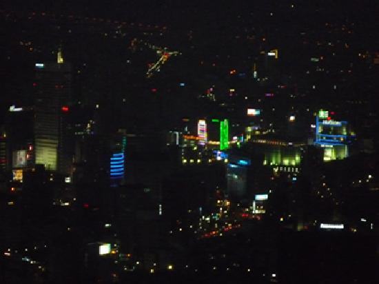 หอคอยโซล: 眠らない街・東大門