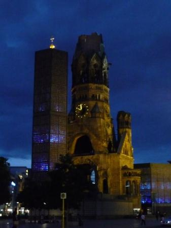 Kaiser Wilhelm Memorial Church: BERLIN: Kaiser-Wilhelm Memorial Church at night
