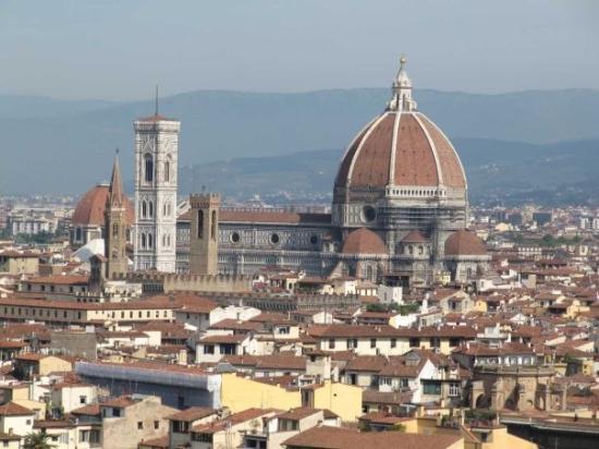 มหาวิหารศานตามาเรีย เดลฟิโอเร: The Duomo