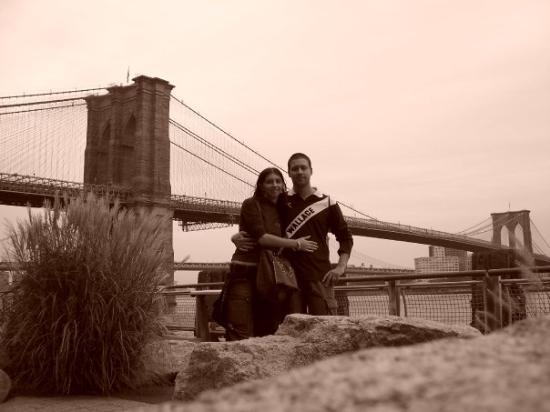 สะพานบรู๊คลิน: BROOKLYN