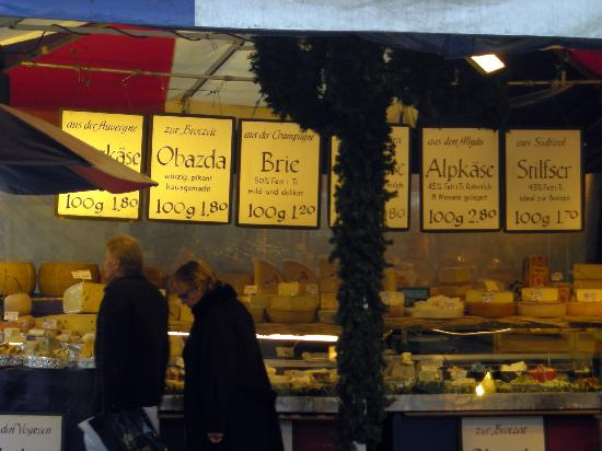 Viktualienmarkt: A typical food stall