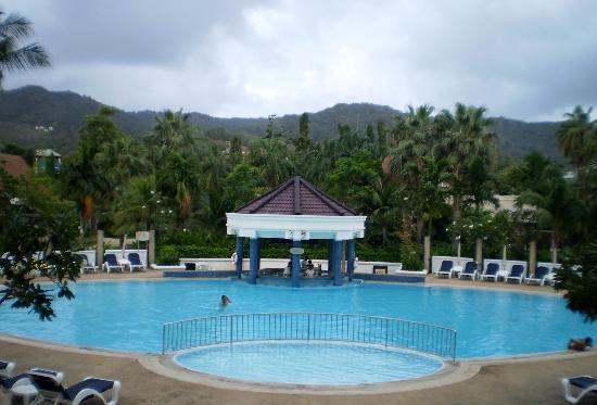 เซ็นทารา กะรน รีสอร์ท ภูเก็ต: Pool