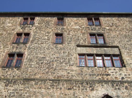 Marburg, เยอรมนี: The House of Bones