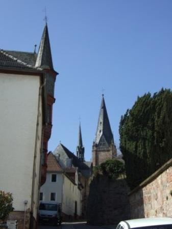 Marburg, เยอรมนี: The wonky steeple