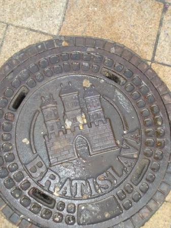 บราติสลาวา, สโลวะเกีย: City symbol and name is everywhere, just like in Prague