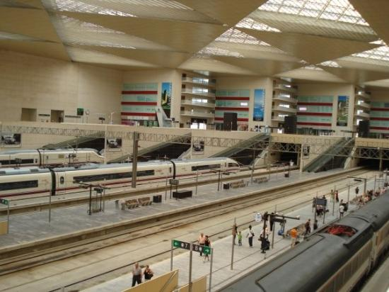 ซาราโกซา, สเปน: Nice new station