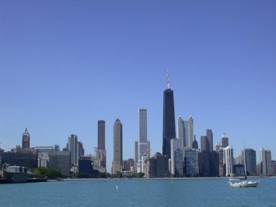 หอสังเกตุการณ์จอห์นแฮนค็อก: Chicago mit dem 344 m hohem John Hancock Center (der schwarze Turm)