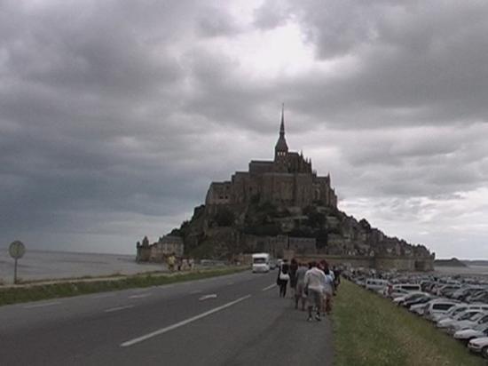 Mont-Saint-Michel, ฝรั่งเศส: on s'est pris la pluie quand même