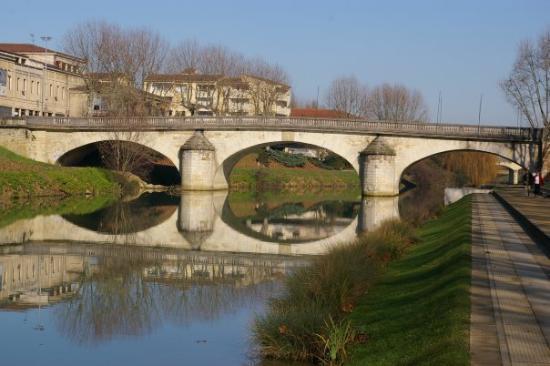 ออช, ฝรั่งเศส: the bridge
