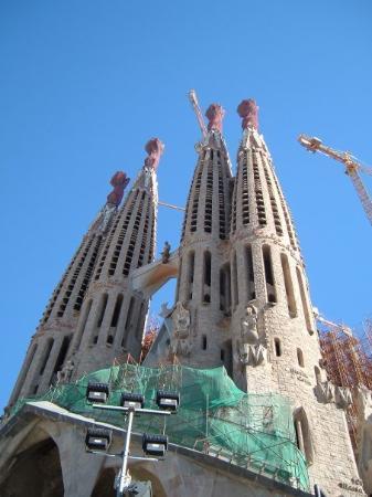 โบสถ์แห่งครอบครัวศักดิ์สิทธิ์: Sagrada Familla