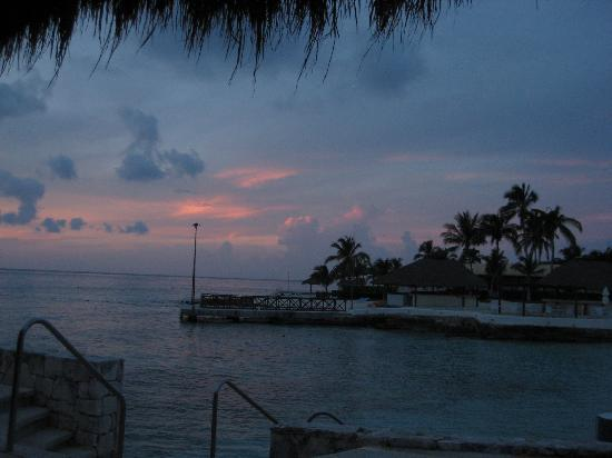 Presidente Inter-Continental Cozumel Resort & Spa: view from the outdoor lounge
