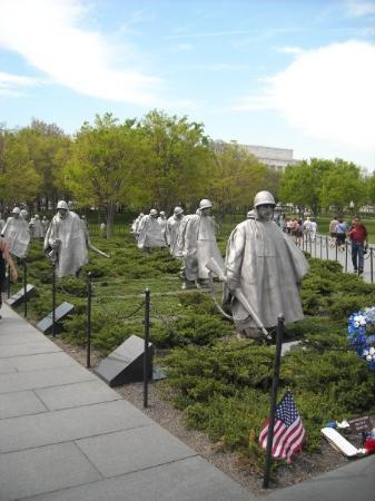 อนุสรณ์ทหารผ่านศึกเกาหลี: Korean War Memorial.