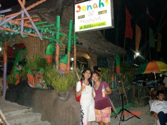 Jonah's Fruit Shake & Snack Bar: You can't miss Jonahs shake