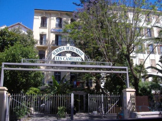 Auberge de jeunesse les camelias updated 2017 prices for Auberge de jeunesse la maison price