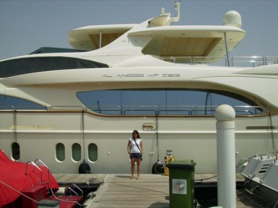 อาบูดาบี, สหรัฐอาหรับเอมิเรตส์: Abu Dhabi/Al Anood yacht
