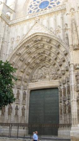 Cathedral and Royal Chapel: Portale della Cattedrale di Granada