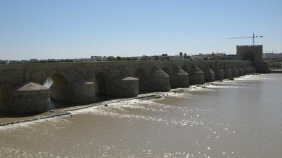 คอร์โดบา, สเปน: Ponte sul Guadalquivir