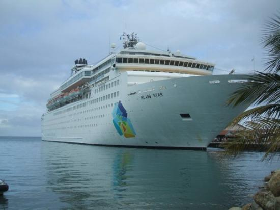 อารูบา: Island Star berthed in Aruba