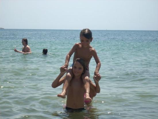 Calas de Majorca, สเปน: mis nenes