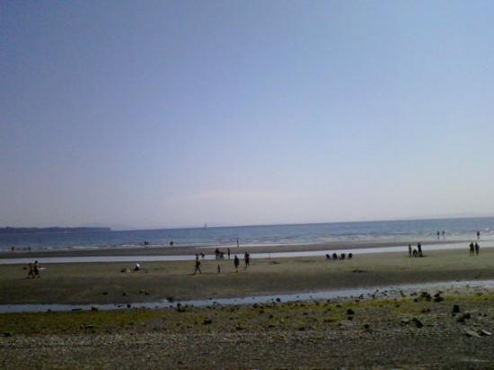 ไวต์ร็อก, แคนาดา: The Horizon at the beach