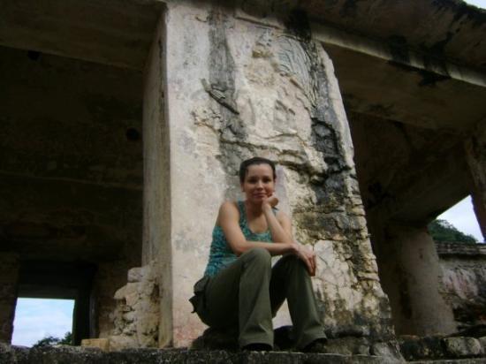 Palenque, เม็กซิโก: Dani en las ruinas ;P