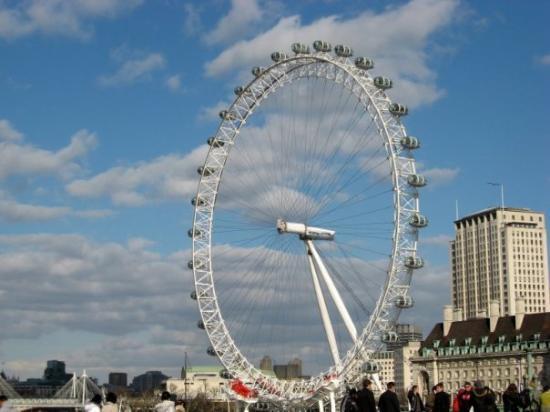 ลอนดอนอาย: London Eye.