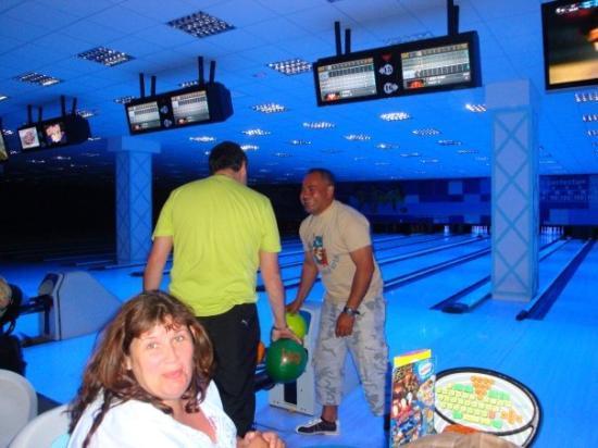 ซาลู, สเปน: ptit bowling