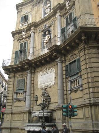 ปาแลร์โม, อิตาลี: i quattro canti. qui Wenders ha girato una scena bellissima