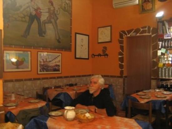 ปาแลร์โม, อิตาลี: nel bellissimo ristorante Ferro di Cavallo a piazza venezia. andateci e capirete perchè.