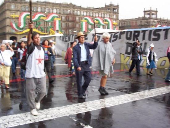 เม็กซิโกซิตี, เม็กซิโก: manifesatzione con i machete