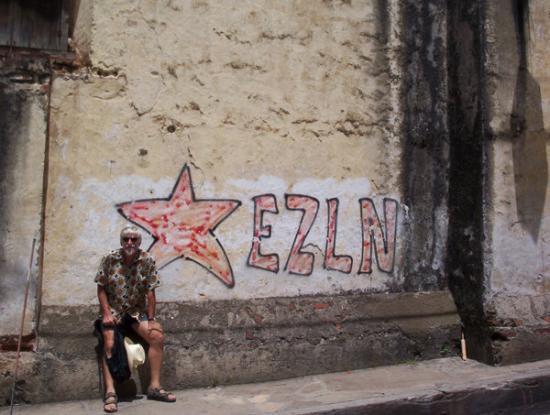 เม็กซิโกซิตี, เม็กซิโก: una scritta per l'EZLN