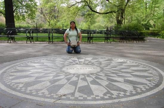 Strawberry Fields, John Lennon Memorial: Imagine...