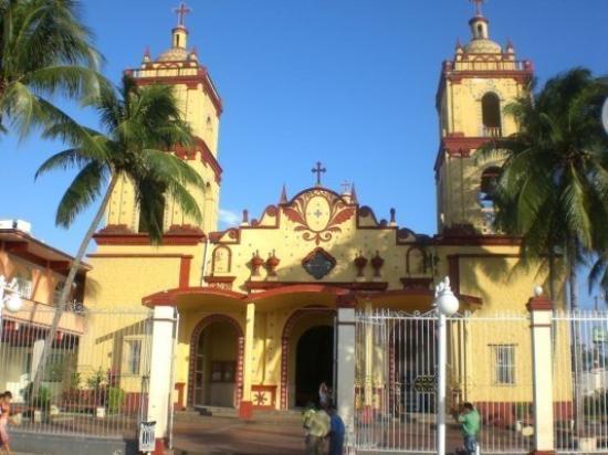 เวรากรูซ, เม็กซิโก: L'église de Catemaco,j'adore ce village!!!