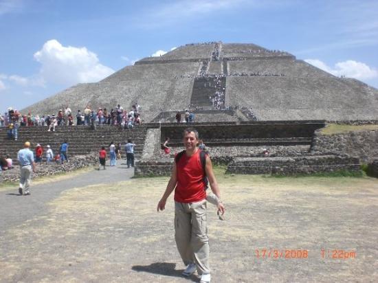เม็กซิโกซิตี, เม็กซิโก: Pyramide du Soleil à Teotihuacan