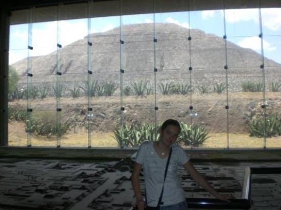 เม็กซิโกซิตี, เม็กซิโก: Dans la fraîcheur du musée de Teotihuacane