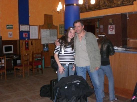 เม็กซิโกซิตี, เม็กซิโก: Avec ma lolotte en arrivant à l'hotel Isabel à Mexico.