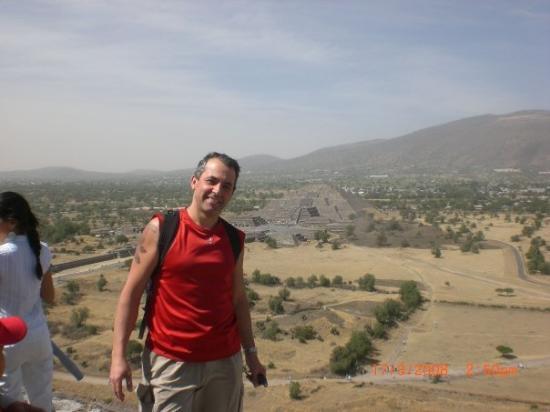เม็กซิโกซิตี, เม็กซิโก: En haut de la Pyramide du Soleil à Teotihuacan