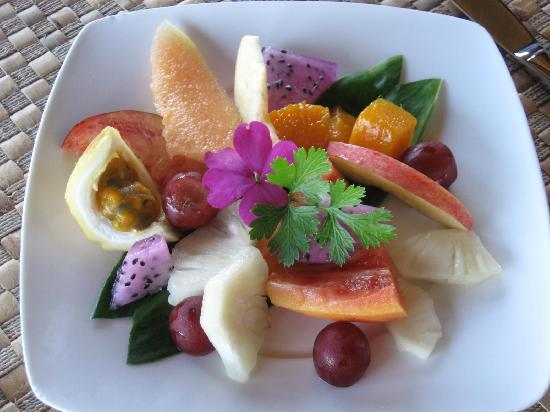 Holualoa Inn: Morning fruit....mmmmmm