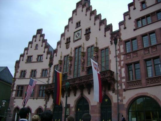 แฟรงก์เฟิร์ต, เยอรมนี: Before