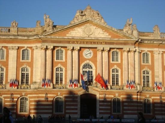 ตูลูส, ฝรั่งเศส: Capitol