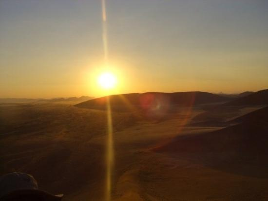 Sossusvlei, นามิเบีย: Namibia - Dune 45 Sunrise