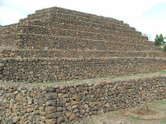 Guimar, สเปน: Pirámides de Güimar