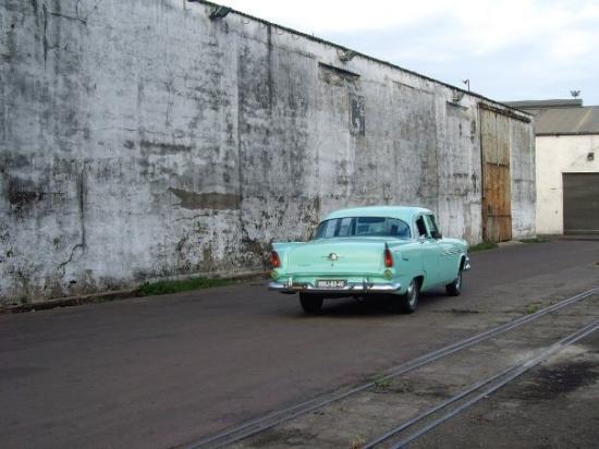 มาปูโต, โมซัมบิก: The old cuban car taxis in Maputo