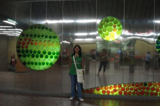 มอนทรีออล, แคนาดา: En el metro de Montreal