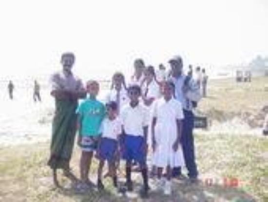 Sri Jayawardenepura, ศรีลังกา: My Sri Lanka Family