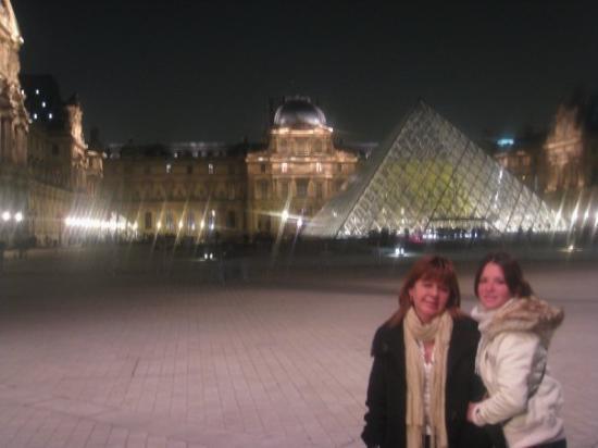 พิพิธภัณฑ์ลูฟวร์: Museo D'Louvre